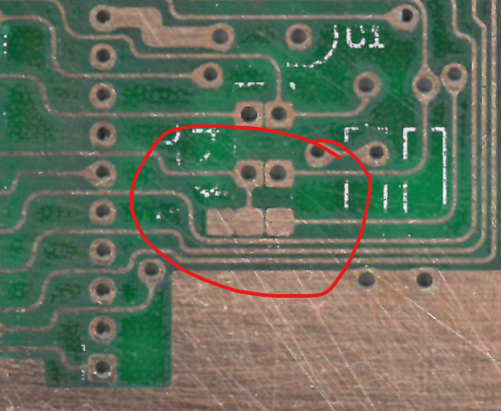 Jumper J7, no solder mask